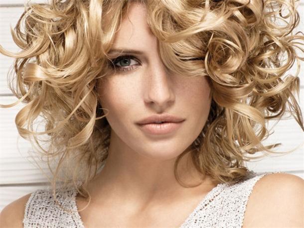 Химия вертикальная на короткие волосы