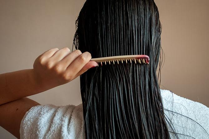 Расчесывание влажных волос