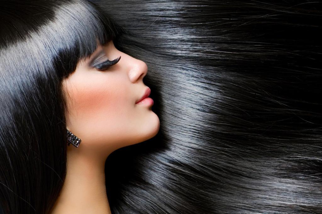 Девушки с иссиня черными волосами
