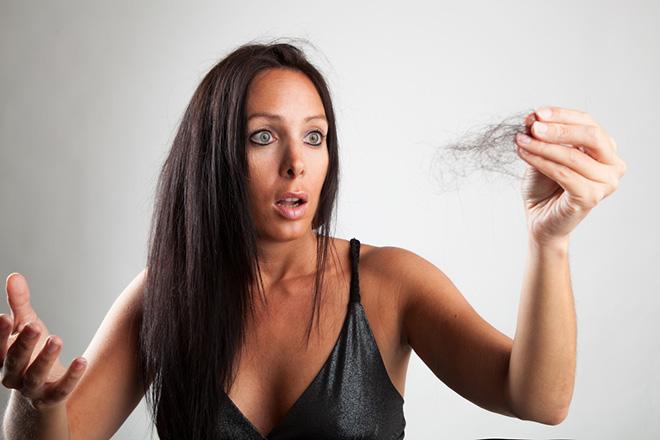 лезут волосы чем лечить
