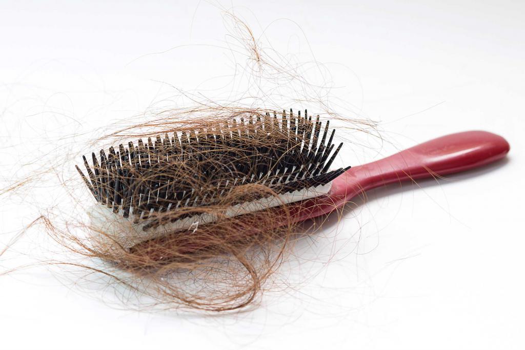сколько волос выпадает при расчесывании норма