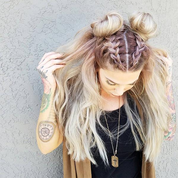 Пучки с распущенными волосами