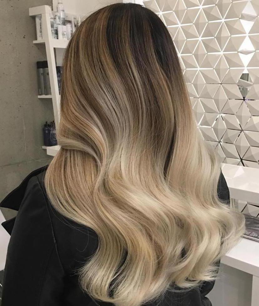 Как оттенить корни волос у блондинок