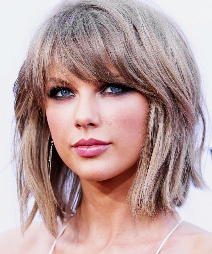 Обладательницам коротких волос стилисты предлагают огромный выбор модных стрижек.