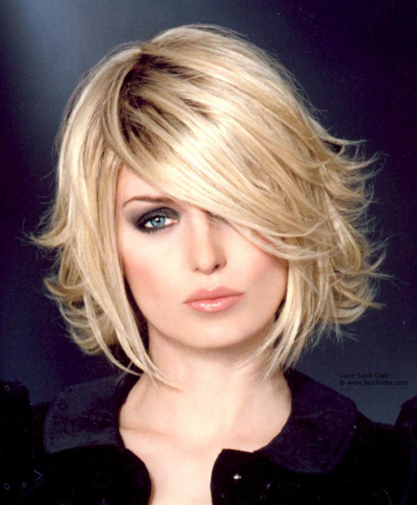 Блондинка с укладкой