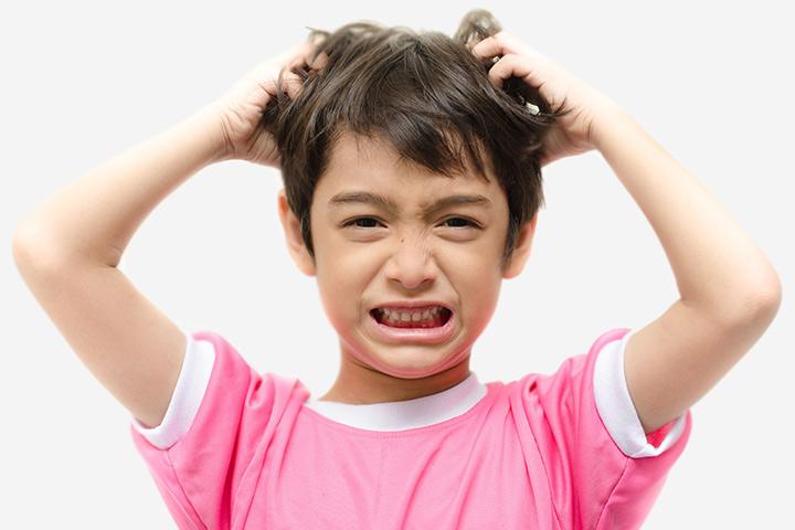 Почему у детей появляется перхоть