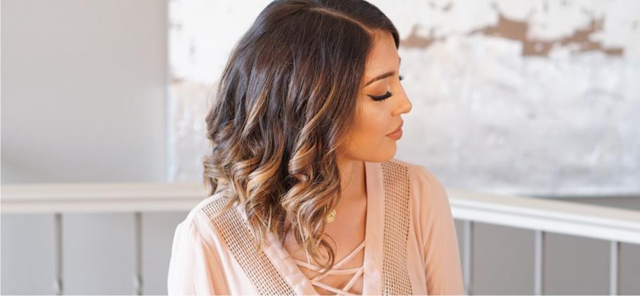 как завить короткие волосы без плойки 1
